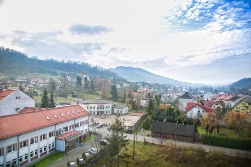 Hotel Monttis - Sucha Beskidzka