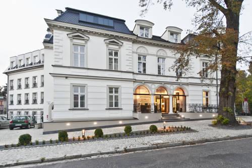 Red Baron Hotel & Restaurant - Świdnica