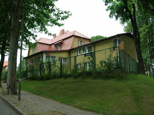 Hotel Pod Platanami - Trzebnica