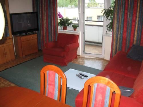 Warsaw Marconi Apartments & Guestrooms - Warszawa