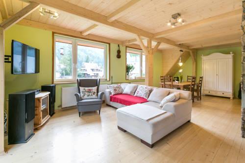 Guest House & Apartment Nabucco with Mountain View - Zakopane