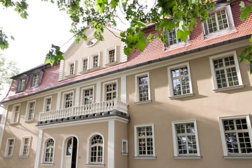 Pałac Brzezina - Brzezina