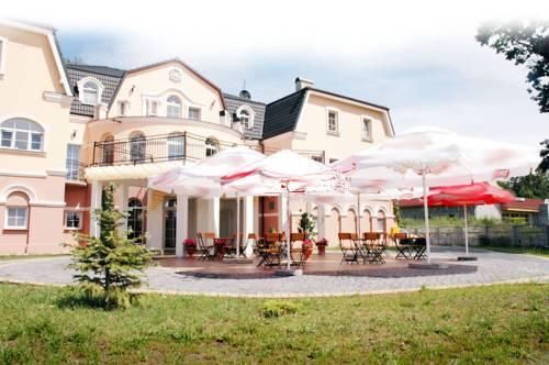 Hotel Regius - Czarnowąsy