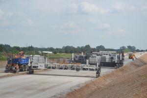 S61: Obwodnica Suwałk – pierwszy beton na jezdni!