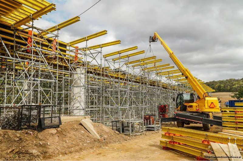 Budowa wiaduktu w ciągu obwodnicy Bolkowa w ciągu drogi krajowej DK5