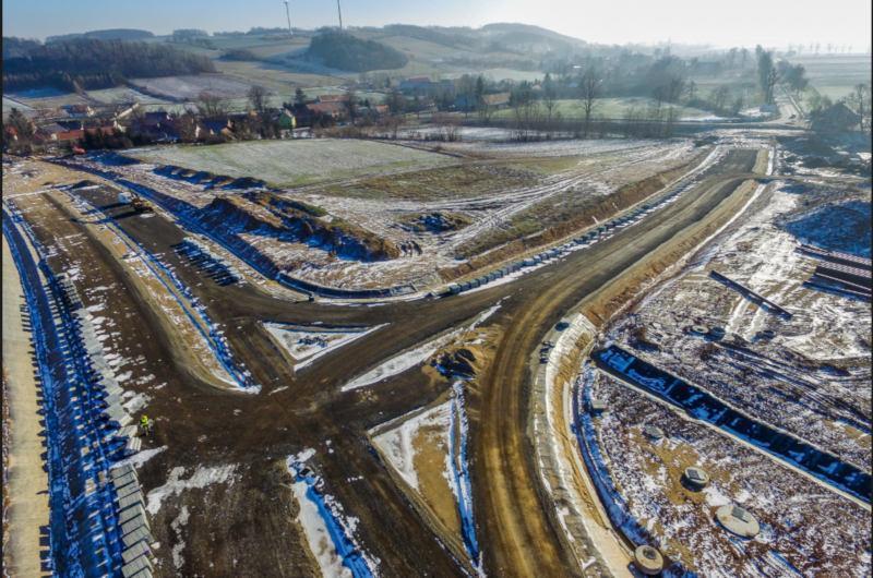 Budowa obwodnicy Bolkowa w ciągu DK3 i DK5 trwa mimo zimy