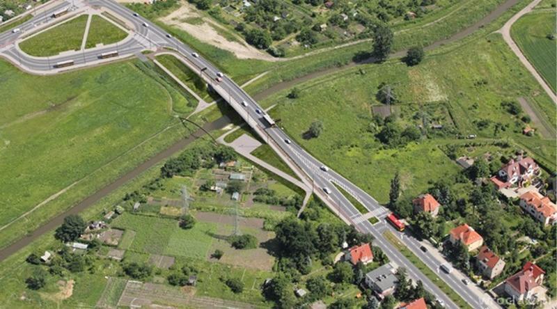 Nowa ul. Racławicka wraz z mostem przez Slęzę we Wrocławiu